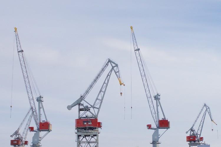 construction-equipment-cranes